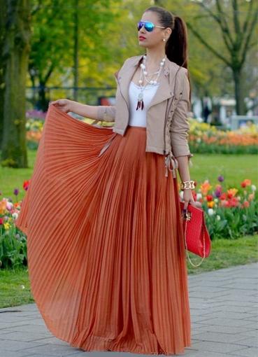 Картинка женщина в красивой юбке