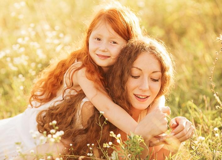 Мать с дочкой новое