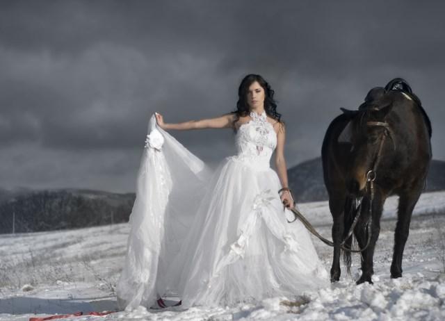 Девушки С Конями