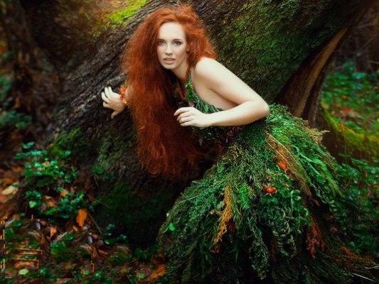 лето девушки фото в лесу