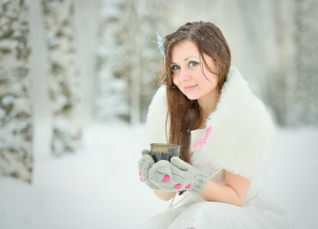 Фото девушек с кофе в руках фото