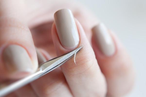 Как накрасить аккуратно ногти в домашних условиях