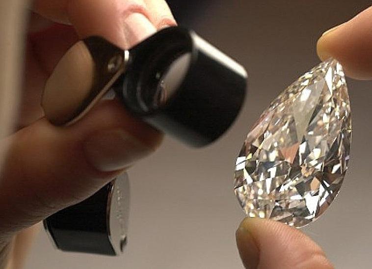 Как отличит бриллиант от фианита в домашних условиях
