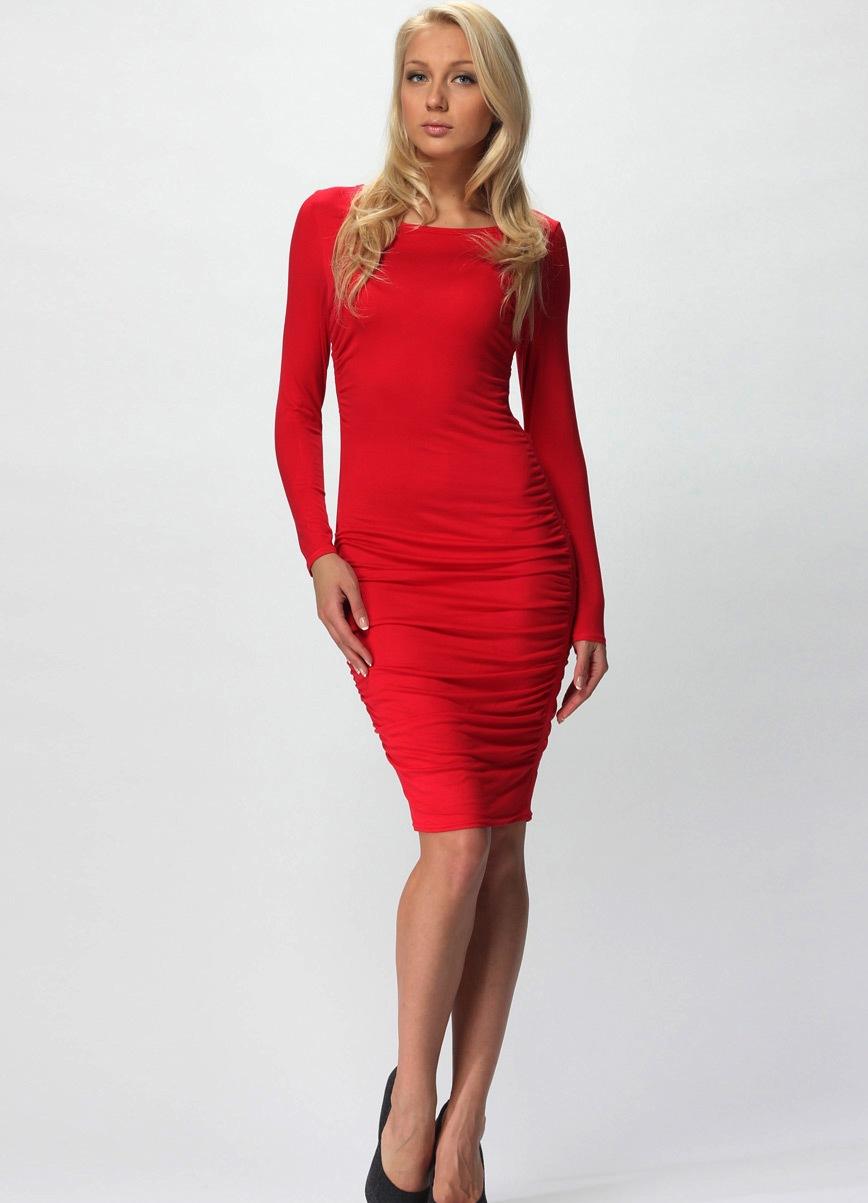 Красно платье