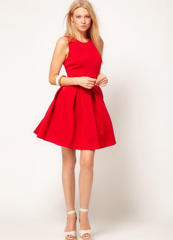 Красное платье короткое пышное