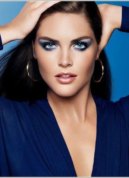 Вечерний макияж голубое платье