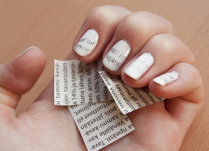 Дизайн на средней длине ногтей
