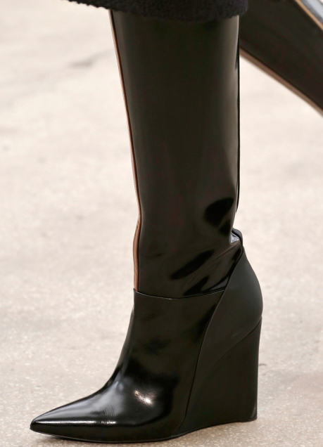 Модные женские сапоги фото