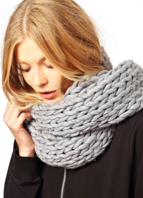 Связать шарф крупной вязкой широкий