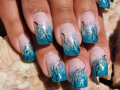 ногти в морском стиле