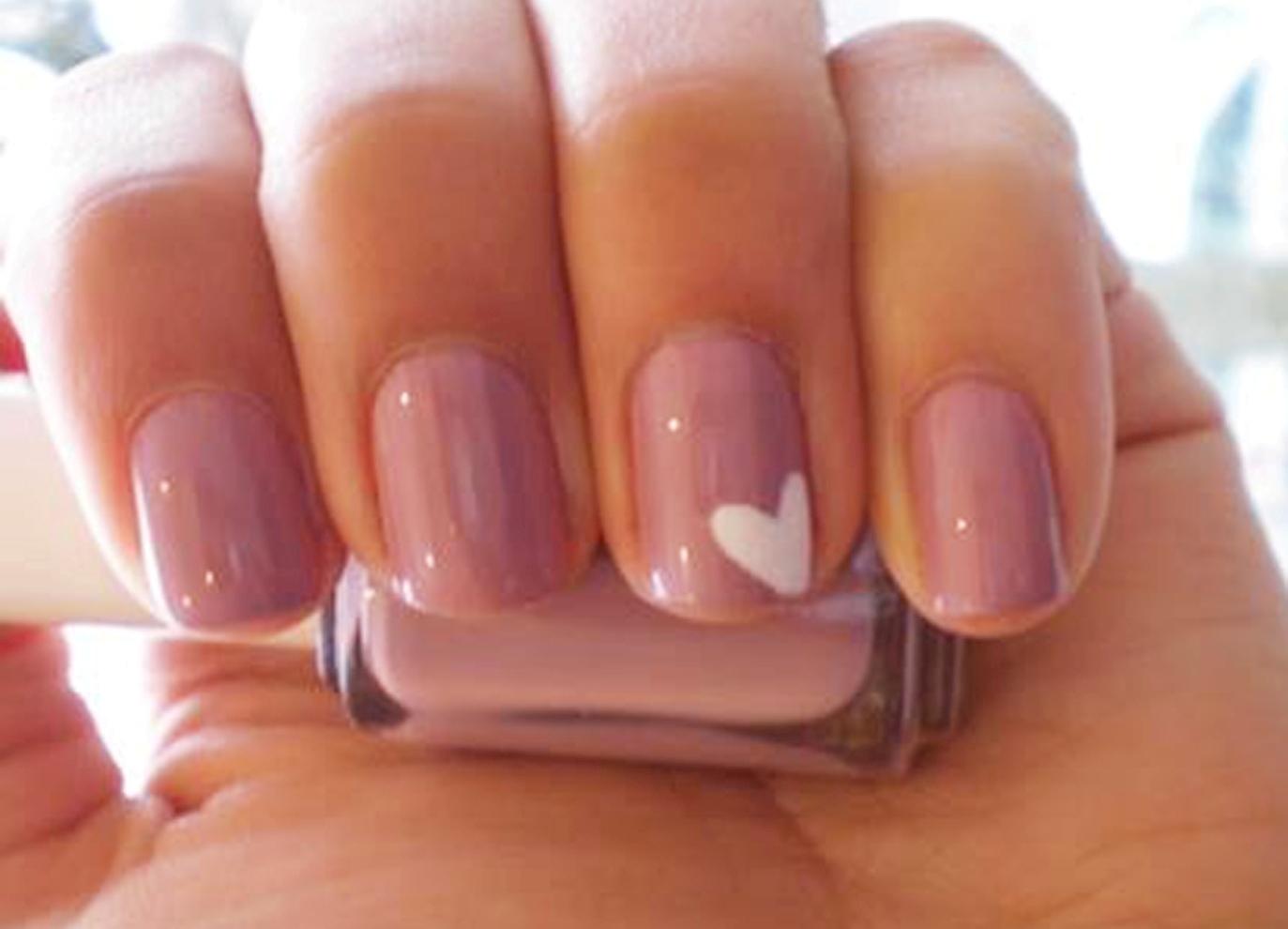 Цвета шилака на ногтях
