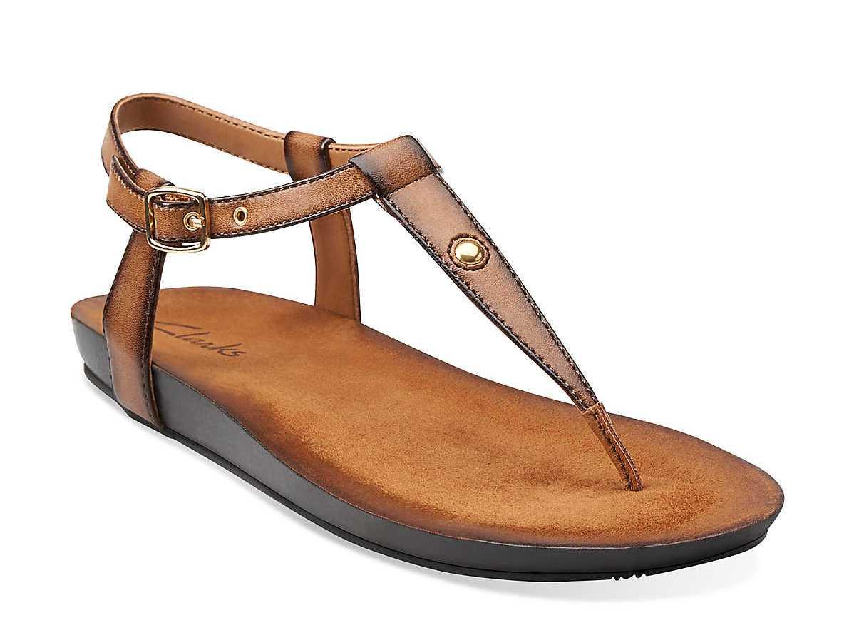 Знаменитая удобная повседневная обувь Clarks славится своей колодкой и прим