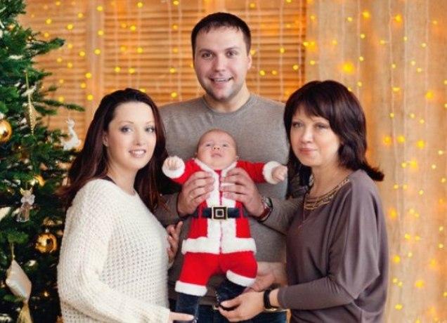Фотосессия беременной с семьей