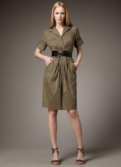 С чем одеть платье сафари