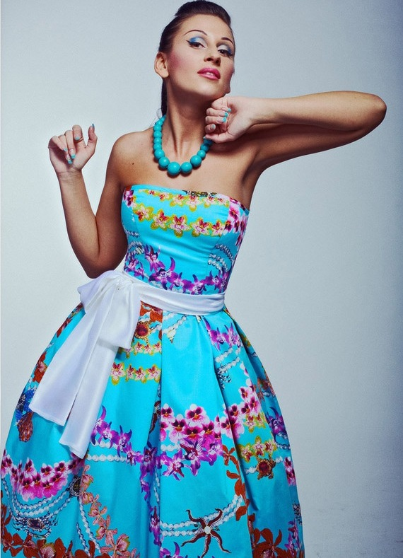 Платья в стиле 80-