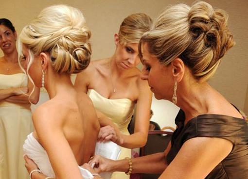 Прически красивые мамам на свадьбу