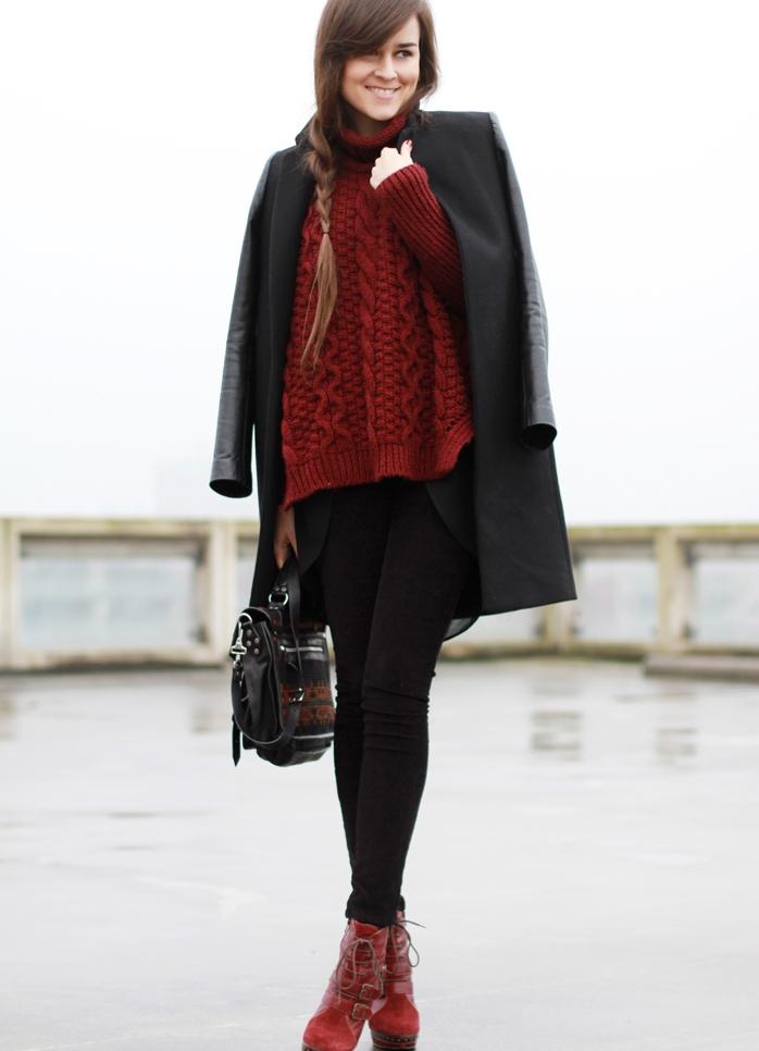 Бордовые женские ботинки с чем носить