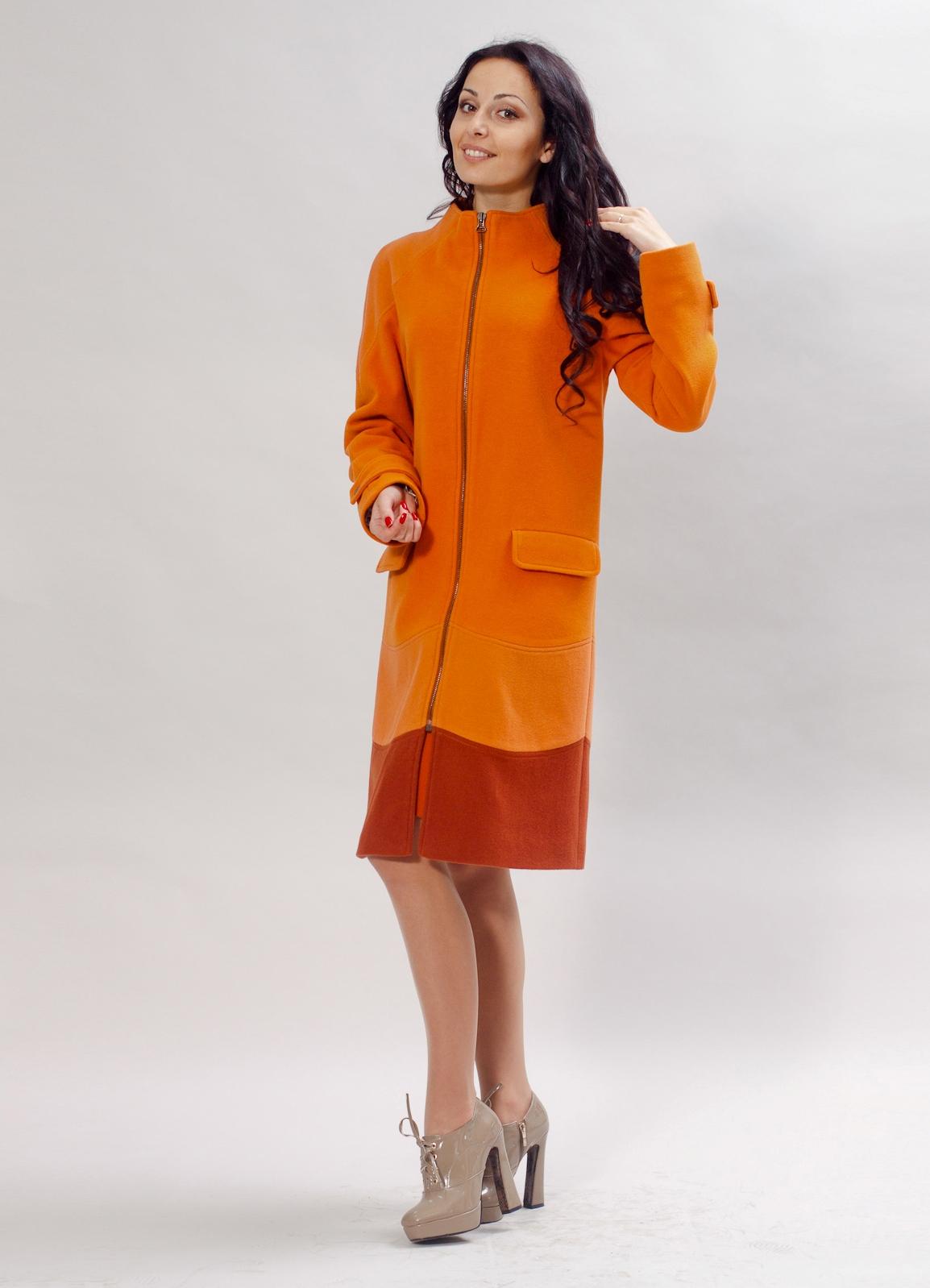 С чем носить оранжевое пальто 3