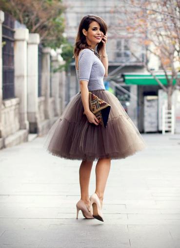 Платья с корсетом и юбкой до колен