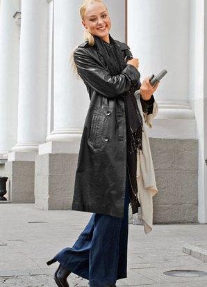 куртка с меховой опушкой на капюшоне и