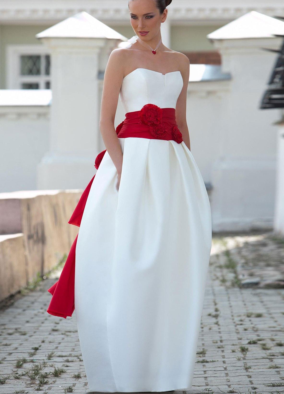 Какие туфли надеть с белым платьем
