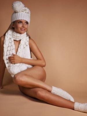 Фото девочек в белых носочках фото 301-280