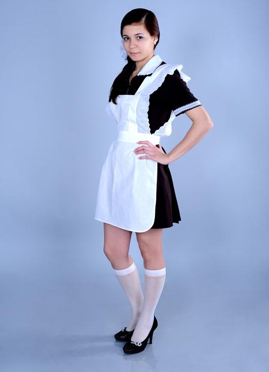 Школьное платье с черным фартуком фото
