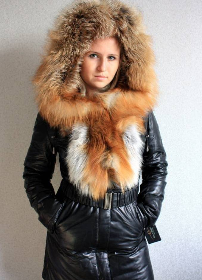 Какие пуховики женские с мехом будут популярны зимой 2012.