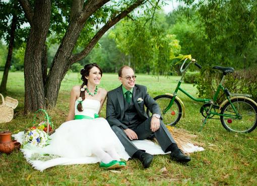 Оформление свадебной фотосессии на ...: womanadvice.ru/svadebnaya-fotosessiya-na-prirode