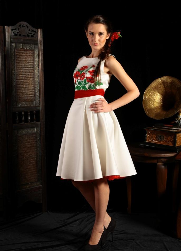 платья с вышивкой фото