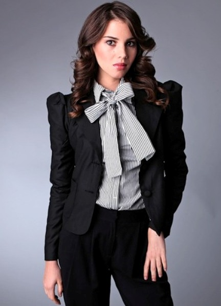 Модные классические костюмы женские