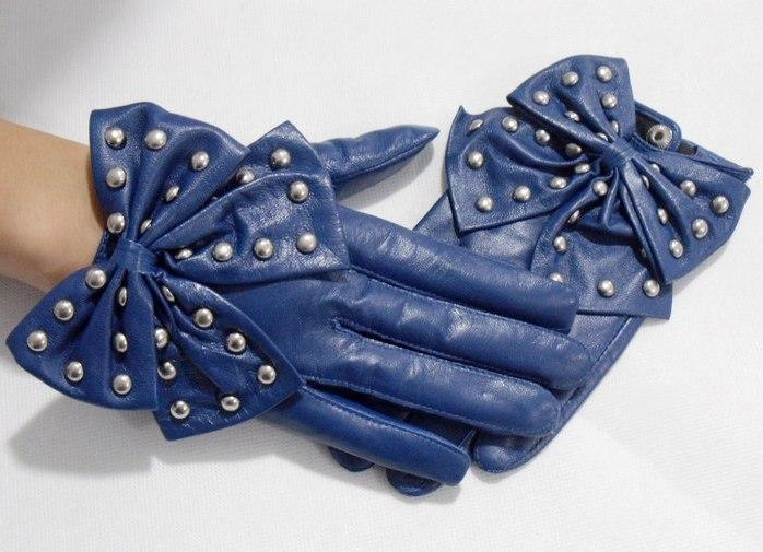 Вариантов изъянов множество - перчатки растягиваются либо садятся, линяют.