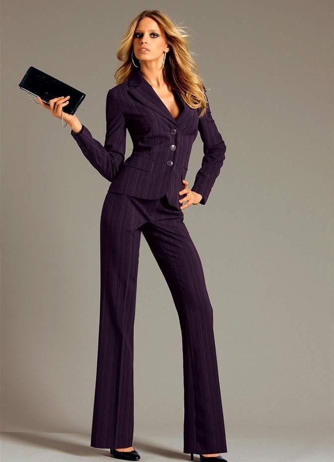 Офисный брючный костюм женский 10