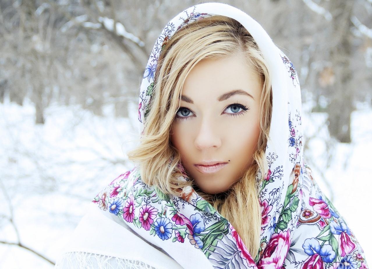 Русскую женщину на улице 18 фотография