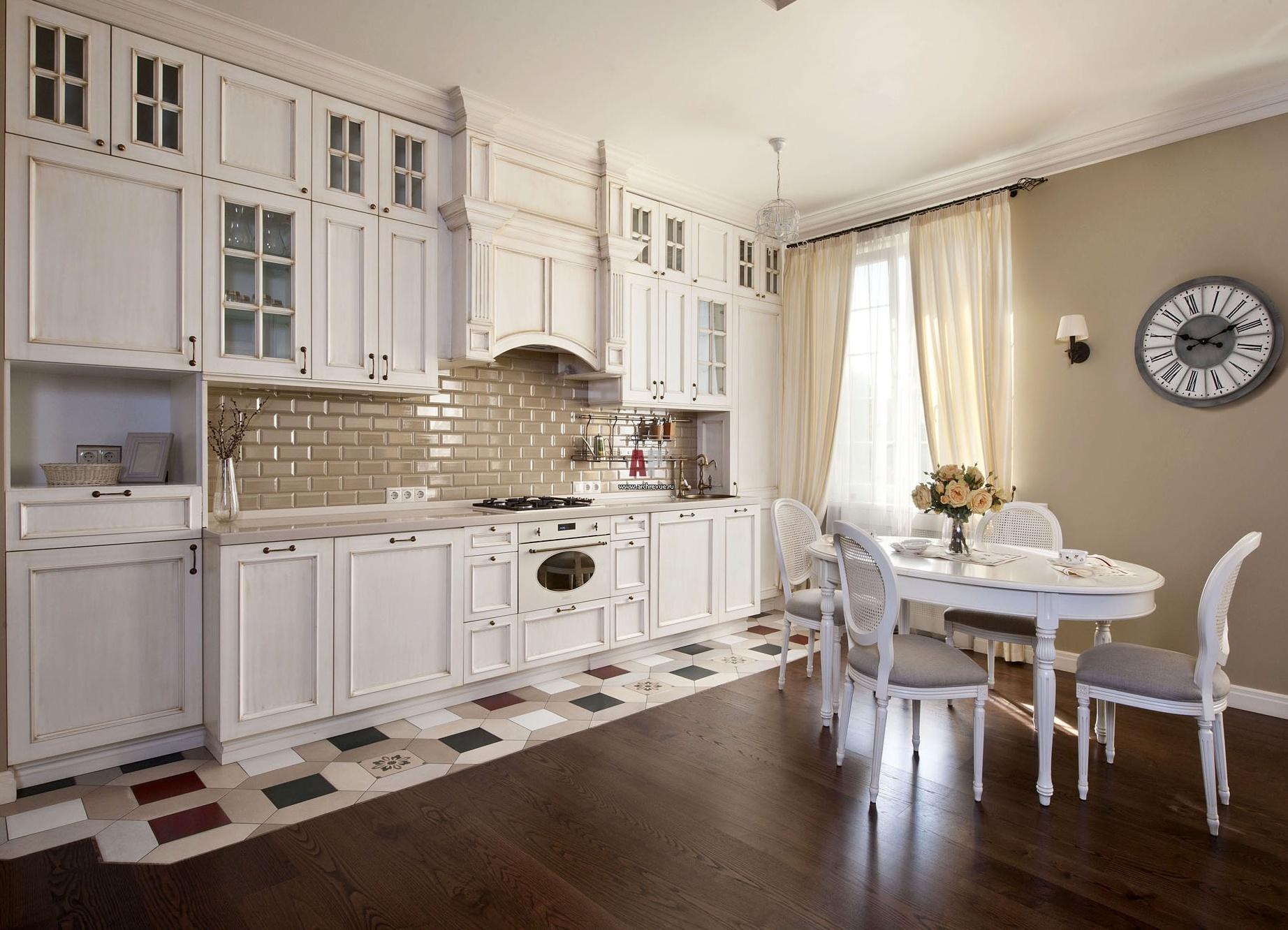 коричневый натяжной потолок на кухне фото