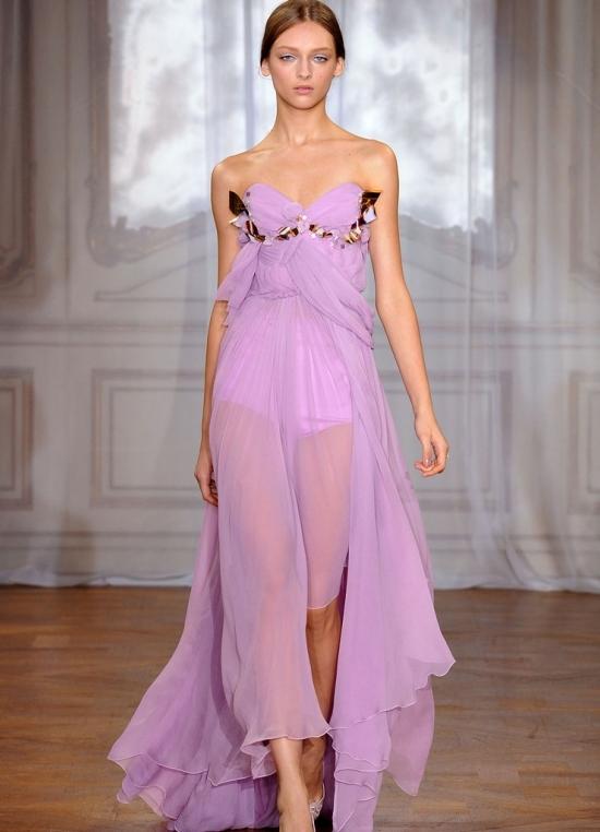 Весной 2012 года прозрачные шифоновые платья представили в своих коллекциях такие бренды как Lanvin