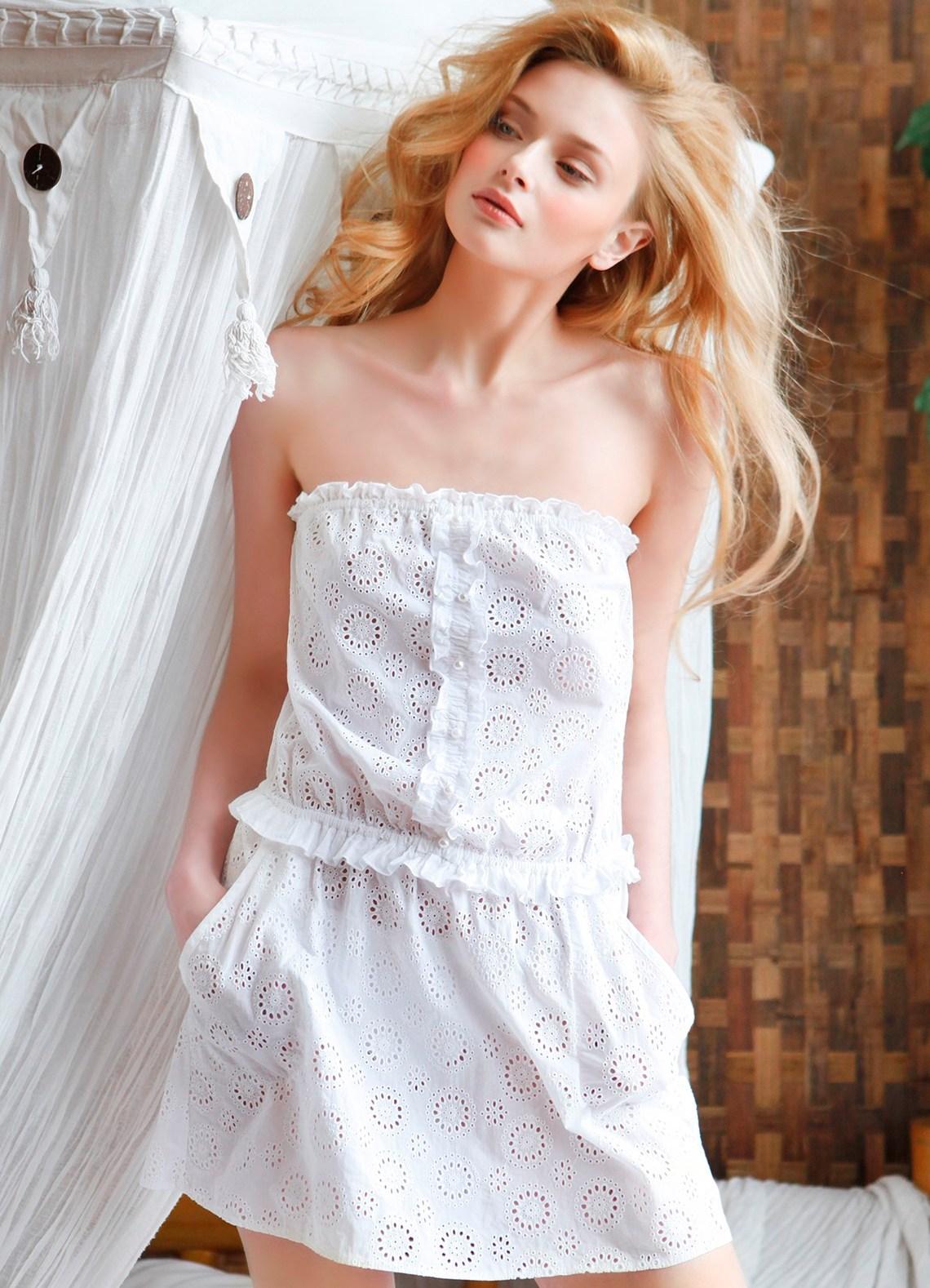Просмотр фото жена не одела трусики под прозрачное платье 26 фотография