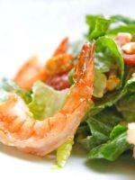 Салат цезарь с морским коктейлем рецепт очень вкусный