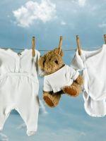 Чем стирать вещи новорожденных?