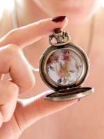 К чему дарят часы?