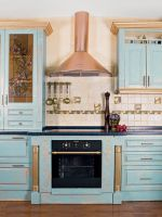 Как обновить кухонный гарнитур своими руками?