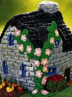 Как сделать домик из пластилина?