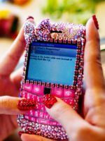 Как украсить телефон своими руками?