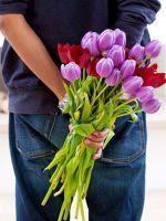 Какие цветы подарить девушке?