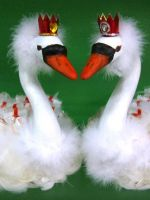 Лебеди из конфет мастер-класс