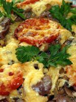 Мясо по-французски с помидорами