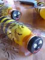 Пчёлы из пластиковых бутылок
