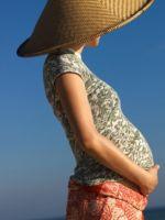 Почему беременным нельзя загорать?