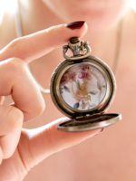 Почему нельзя дарить часы девушке?