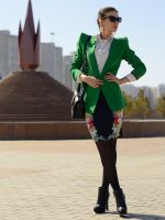 С чем носить юбку с цветочным принтом?